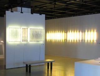 Ute Wolff – Luminaires textiles, explorations à l'ombre du fil